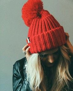 Women Hat Knit Pattern images for new year 2019 - Page 10 of 48 - Daily Crochet! Beanie Hats, Beanies, Slouchy Beanie, Snapback Hats, Grunge, Look Street Style, Bobble Hats, Pattern Images, Pom Pom Hat