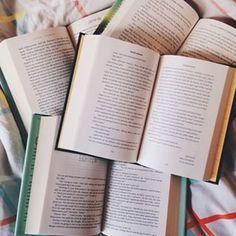 Leia um bom livro, claro. | 27 coisas para fazer antes de ir dormir que não envolvem assistir Netflix