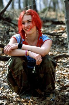 """Galeries photos Cinéma - Challenges Kate Winslet in """"Eternal Sunshine of The Spotless Mind - Un tesoro de película Kate Winslet Young, Clementine Eternal Sunshine, Michel Gondry, Manic Pixie Dream Girl, Don Juan, Film Serie, Grunge Hair, Girl Crushes, Pretty People"""