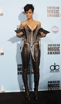 Black Leather Corset Style Catsuit worn By Rihanna. Buy your Catsuit for dance from DCUK Dance Clothes. Estilo Rihanna, Mode Rihanna, Rihanna Riri, Rihanna Style, Beyonce, Dance Outfits, Sexy Outfits, Fashion Outfits, Celebrity Boots
