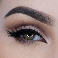 Gorgeous Makeup: Tips and Tricks With Eye Makeup and Eyeshadow – Makeup Design Ideas Eye Makeup Tips, Smokey Eye Makeup, Makeup Tools, Makeup Inspo, Makeup Inspiration, Beauty Makeup, Makeup Eyes, Makeup Tutorials, Bridal Makeup Looks