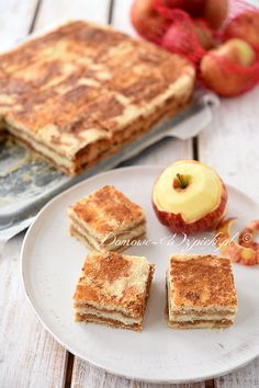 Scattered cup cake with apples - recipe- Recipe Sprinkled cup cake with apples. A simple recipe for a delicious apple pie without eggs. Apple Dessert Recipes, Apple Recipes, Pumpkin Recipes, Cheesecake Recipes, Easy Desserts, Dessert Simple, Dessert Healthy, Cake Mug, Food Cakes