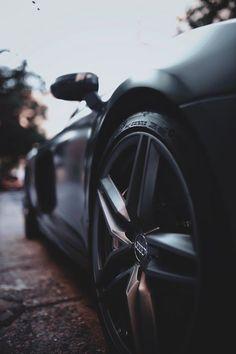 Audi in der aktuellen DTM Saison Luxury Sports Cars, Audi Sports Car, Top Luxury Cars, Sport Cars, Bmw Sport, Automotive Photography, Car Photography, Car Images, Car Photos