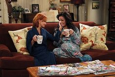 swoosie kurtz and katy mixon in mike and molly Swoosie Kurtz, Totally Awesome, Old And New, My Childhood, Favorite Tv Shows, My Love, Funny, My Boo, Funny Parenting