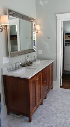Vanity & mirror (restoration hardware)
