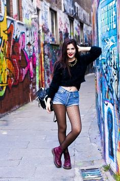 Missguided Sweater, Levi's® Shorts, Doctor Martens Boots