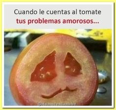 The awkward moment when you're a vegan and you cut open a tomato, but then you make eye contact with it and now you feel guilty and can't eat him. Humor Videos, Funny Images, Funny Pictures, Vegan Memes, Funny Spanish Memes, Facebook Humor, Funny Video Memes, Awkward Moments, Meme Faces