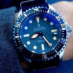 We just love Steinhart, and this Steinhart One Black, which retails for only 380€, is definitely a part of the reason why. Photo via - @steinhart_timepieces #superiorwatches #dailywatch #watch #watches #watchs #watchesofinstagram #watchoftheday #watchfam #watchfan #watchaddict #watchuseek #avi8 #womw #wotd #haute #hondikee #horology #like4like #likeforlike #likeforfollow #mvt #movement #fashion #chronograph #affordablewt #affordablewatches