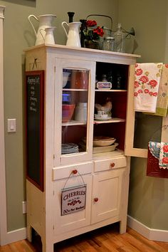 Hoosier cabinetIve always wanted oneHome is Where the
