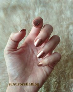 If you want to go Shimmery this Season, try this Beautiful Shimmery Champagne Nail Colour with Copper tones !!! ❤  PS: This is perfect for the Festive Season and goes well with Bridal Attires too !!!   #AurorellaBlog #Aurorella #nails #shimmer #shimmery #champagne #copper #coppery #classy #nailcolour #nailcolor #nailpaint #festive #bridal #winter #wintervibes #lovewinter #autumn #autumn #autumnleaves #autumncolors #lifestyleblogger #fall #fall2017 #autumn2017 #nailpolish