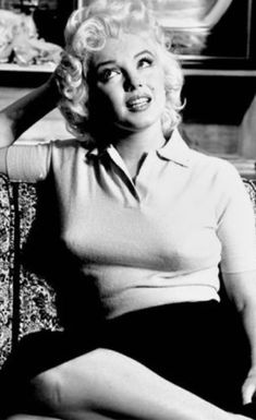 Marilyn Monroe on April 1955 Person To Person interview🌟🙌🏻💗 Marilyn Monroe Photos, Marylin Monroe, Golden Age Of Hollywood, Vintage Hollywood, Hollywood Actresses, Actors & Actresses, Gentlemen Prefer Blondes, Actress Christina, Norma Jeane