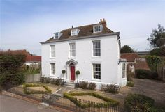 Handsome and Grade II listed house in Faversham  #Georgian