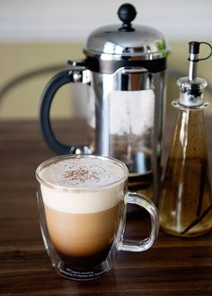 Vanilla Spice Latte [Bodum French Press and Frother Giveaway] - Baked Bree Coffee Cafe, Coffee Drinks, Coffee Shops, Champurrado, Starbucks Vanilla, Café Chocolate, Gateaux Cake, Latte Recipe, I Love Coffee