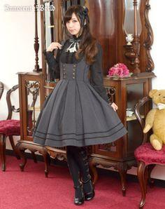 ladyelowen: Innocent World - Corset Tucked Flare Jumperskirt Gothic Lolita Dress, Gothic Lolita Fashion, Punk Fashion, Vintage Fashion, Womens Fashion, Girly Girl Outfits, Cute Outfits, Emo Outfits, Harajuku Fashion