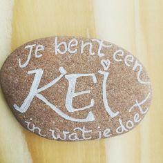 Juffen bedankje: 'je bent een KEI in wat je doet' . #cecielmaakt #juffenkado #juffenbedankje #kei #handlettering #lettering #letterlove #letters #lettersofinstagram #basisschool #pentouch Diys, Diy Crafts, Cute, Bricolage, Kawaii, Do It Yourself, Homemade, Crafts, Diy Projects