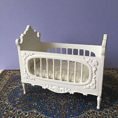 Dolls House Dollhouse 1:12 Miniature Platinum Collection White Hand Carved Crib