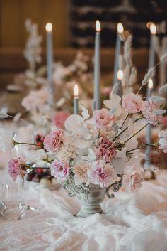 Pastel inspired tablescape Photo: @ninaanicweddings Seaside Wedding, Destination Wedding, White Wine Grapes, Croatian Wedding, Pastel Wedding Colors, Bridal Musings, Elopement Inspiration, Wedding Trends, Wedding Season