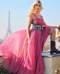Valentina Ferragni Dior Dress Valentina Ferragni, Dior Dress, Skirts, Dresses, Fashion, Vestidos, Moda, Dior Gown, Skirt