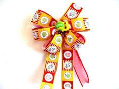 Teacher's gift bow Gift wrap bow Favorite teacher bow by jandavis2, $5.75