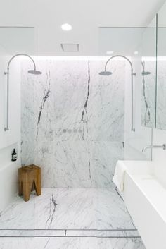 Marble shower with dual shower heads