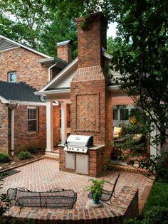 18 Brick Patio Designs To Improve The Look Of Your Exterior - All For Garden Concrete Patios, Brick Patios, Brick Design, Patio Design, Backyard Patio, Backyard Landscaping, Outdoor Living, Outdoor Spaces, Outdoor Decor