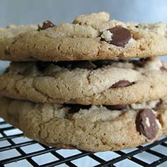 ChocolateChip Cookie アメリカで大人気の!!ソフトクッキー☆ Sweets Recipes, Cooking Recipes, Choco Chips, Bread Cake, Desert Recipes, No Bake Cake, Cake Cookies, Chocolate Chip Cookies, Baked Goods