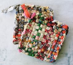 handmade pot holders- I remember makin these as a kid. My Childhood Memories, Sweet Memories, Childhood Toys, 1970s Childhood, Oldies But Goodies, I Remember When, Good Ole, Hot Pads, My Memory
