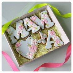 Batch of easy Mother's day cookies made with butter & love for your Mum - japanisches Essen - Mother's Day Cookies, Fancy Cookies, Valentine Cookies, Iced Cookies, Biscuit Cookies, Cute Cookies, Royal Icing Cookies, Cupcake Cookies, Sugar Cookies