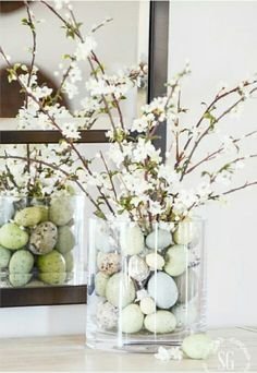 DIY decorating ideas for pretty and colorful Easter table decorations Cuchikind - Basteln mit Kindern cuchikind DIY - Ostern Easter table decorations, table decorations for Easter, Easter table decorations, table decorations for Easter, decorating id Easter Dinner, Easter Brunch, Easter Party, Easter 2018, Brunch Party, Easter Table Decorations, Easter Centerpiece, Centerpiece Ideas, Diy Spring Decorations