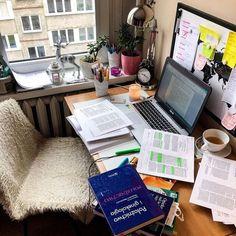 Robert Pattinson - Let me sign Studyblr, Vie Motivation, Study Motivation, Study Desk, Study Space, Study Room Decor, Study Organization, School Study Tips, Study Areas