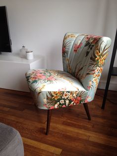 Armchairs, Cosy, Accent Chairs, Master Bedroom, Inspiration, Furniture, Home Decor, Wing Chairs, Upholstered Chairs