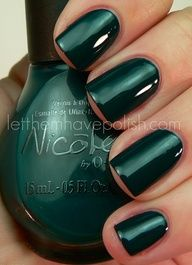 Weddings | Green With Envy - Deep emerald nail lacquer - #emerald #coloroftheyear