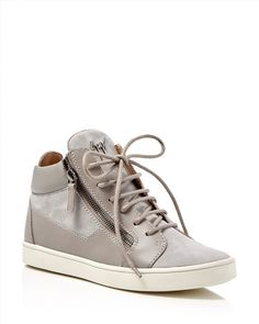 695.00$  Watch here - http://vigyh.justgood.pw/vig/item.php?t=68h40f35134 - Giuseppe Zanotti Breck High Top Sneakers 695.00$