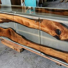 Epoxy wood consol by Lara wood design