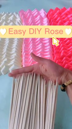 Paper Flowers Craft, Flower Crafts, Diy Flowers, Fabric Flowers, Paper Crafts, Balloon Flowers, Ribbon Crafts, Diy Crafts For Home Decor, Diy Crafts Hacks