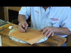 you tube Helpful Hints: Making Decorative Cuts Leather Diy Crafts, Leather Craft Tools, Leather Gifts, Leather Projects, Leather Tooling Patterns, Leather Pattern, Leather Accessories, Leather Jewelry, Tandy Leather