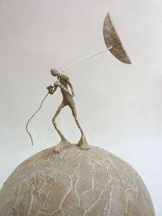 """""""A arte é para mim um prolongamento da vida; Os artistas são as testemunhas de seu tempo, que eles traduzem através de sua sensibilidade e prática. """"Antoine Jossé Antoine Jossé é um pintor e escultor surrealista francês. Antoine Jossé no Facebook Você achou esse conteúdo relevante? Compartilhe!"""