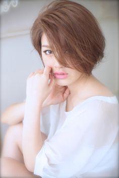 骨格なんて気にしない小顔に見えるヘアカログ018 | 青山・表参道の美容室 Secretのヘアスタイル | Rasysa(らしさ)
