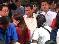 Distressed OFWs sa Saudi Arabia na gustong umuwi sa Pilipinas, pinangakuan ng ayuda ni Pres. Duterte - WATCH VIDEO HERE -> http://dutertenewstoday.com/distressed-ofws-sa-saudi-arabia-na-gustong-umuwi-sa-pilipinas-pinangakuan-ng-ayuda-ni-pres-duterte/   Nangako ng ayuda si Pangulong Rodrigo Duterte sa Overseas Filipino Workers sa Kingdom of Saudi Arabia na nais nang umuwi sa Pilipinas. Ito ang balita ni Rosalie Coz. For more videos: For News Update, visit:  Check out our offi