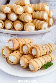 RURKI Z KREMEM MASCARPONE Sweet Desserts, No Bake Desserts, Sweet Recipes, Dessert Recipes, Pineapple Coconut Bread, Sweets Cake, Polish Recipes, No Bake Cake, Cookie Recipes