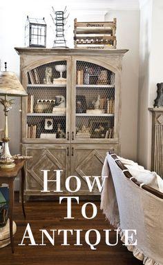 How to antique furniture. It's super easy! www.cedarhillfarmhouse.com #antiquingfurniture