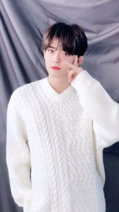 so boyfriend 😍 Boys Who, My Boys, Kpop, Meme Faces, My Boyfriend, Boy Groups, Rapper, Korea, Alice