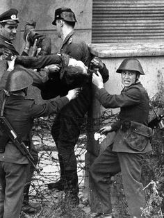 History Of The Berlin Wall Peter Fechter