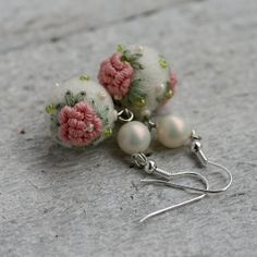 Romantic rose earrings by NettesRoseGarden on Etsy, $22.00