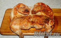 Почти готовую обжаренную курочку вытащить из сковороды и уложить на доску. Food To Make, Chicken Recipes, Turkey, Bread, Cooking, Soups, Meat, Easy Meals, Recipies