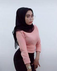 Hijabi Girl, Girl Hijab, Beautiful Hijab, Doraemon, Sexy, Models, Beauty, Instagram, Anime