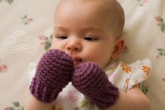 I think I will make these thumbless mittens for friends little ones this winter. the mittens are a make it urself project not the infant.