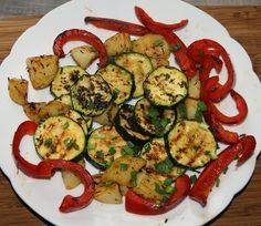Na taką pogodę, to tylko grill; Zucchini, Grilling, Vegetables, Food, Diet, Crickets, Essen, Vegetable Recipes, Meals