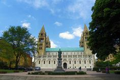 Der Dom zu Pécs Hotels, Dom, Notre Dame, Mansions, House Styles, Building, Travel, Europe, Hungary