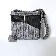İyi Hafta Sonları... Bugünün Güzeli...  . . . #crochet #crochetbag #canta #tığişi #elyapimi #bag #aksesuar #accessories #knit #stricken #deryabaykal #häkeln #trapillo #uncinetto #ganchillo #fiodemalha #tejer #virka #örüyorsamsebebivar #orgu #penyeip #tshirtyarn #yarnart #crafty #etsy #10marifet #wool